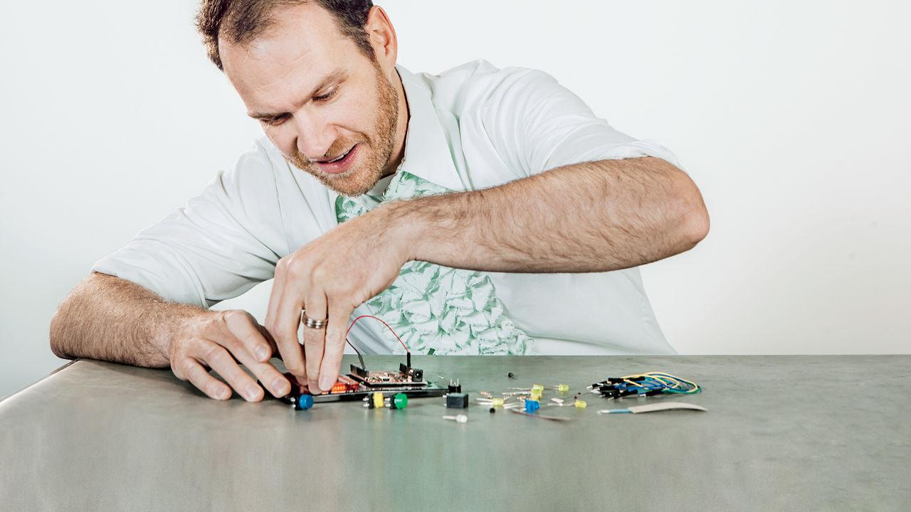http://scienceandentertainmentexchange.org/wp-content/uploads/2021/09/NathanSeidle-3044271-poster-p-1-195-radioshack-for-the-maker-crowd_0.jpg